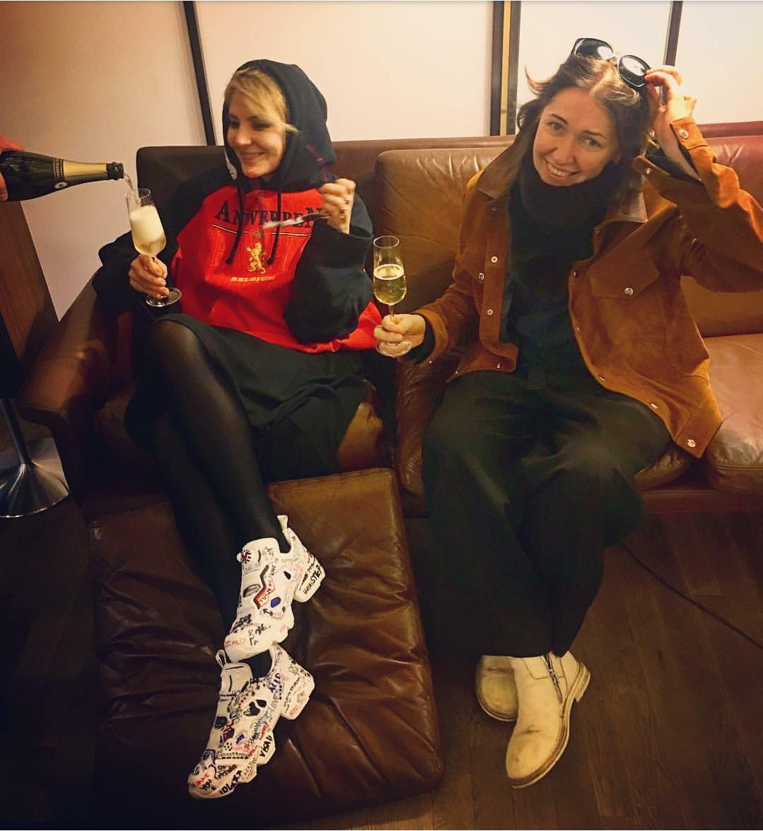 f042dd2b4105 Актриса и режиссер Рената Литвинова в кроссовках Vetements x Reebok  InstaPump Fury (фото из Instagram Ренаты Литвиновой)