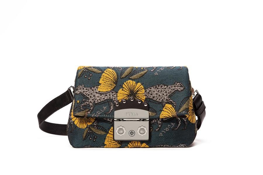 b027a109bfad Бренд Furla презентовал новую коллекцию сумок в Милане