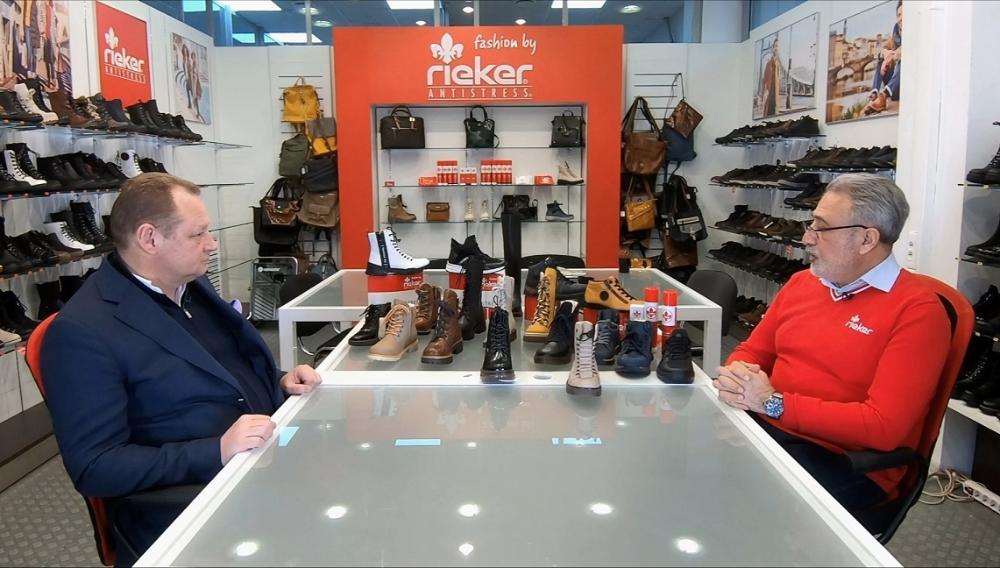Rieker vende 24 di paia all'anno. Il canale Youtube di Shoes Report ha pubblicato un'intervista al CEO di Riker Vostok Shahin Asadov