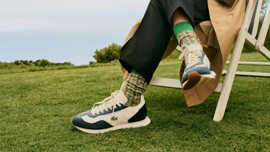 Lacoste has released a new model of unisex sneakers in retro style