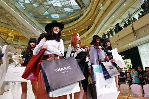 Global luxury market shows growth