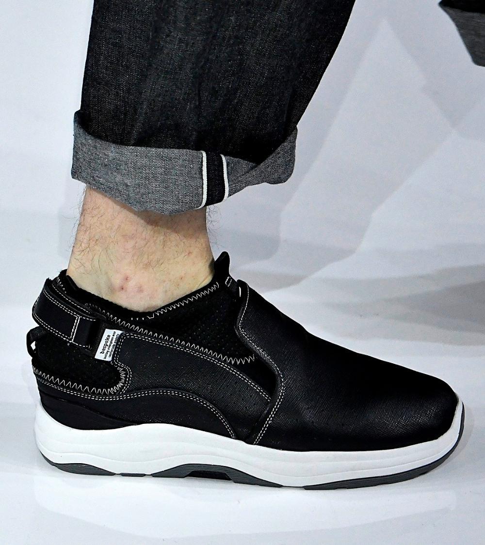 Construction: Open heel with Velcro closure