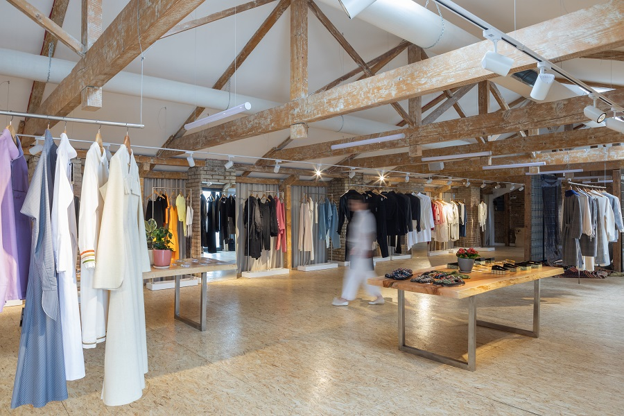 Conceptual store of Georgian designers IERI store launches online store with worldwide delivery