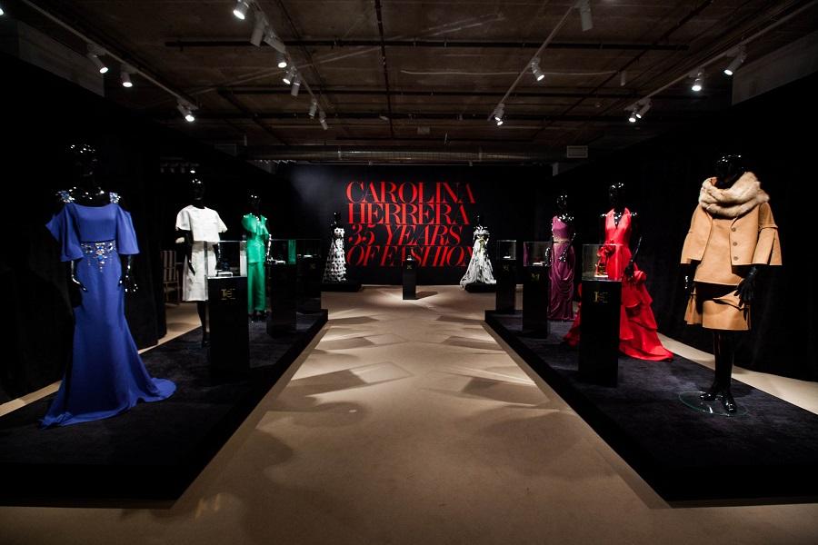 New ways to attract customers: Carolina Herrera dresses exhibition at TSUM