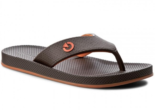 Cartago introduced a new collection of men's sandals and slippers