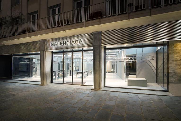 Balenciaga opens a new boutique in Paris