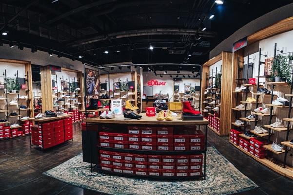 s.Oliver abrió las primeras tiendas en Murmansk y Taganrog