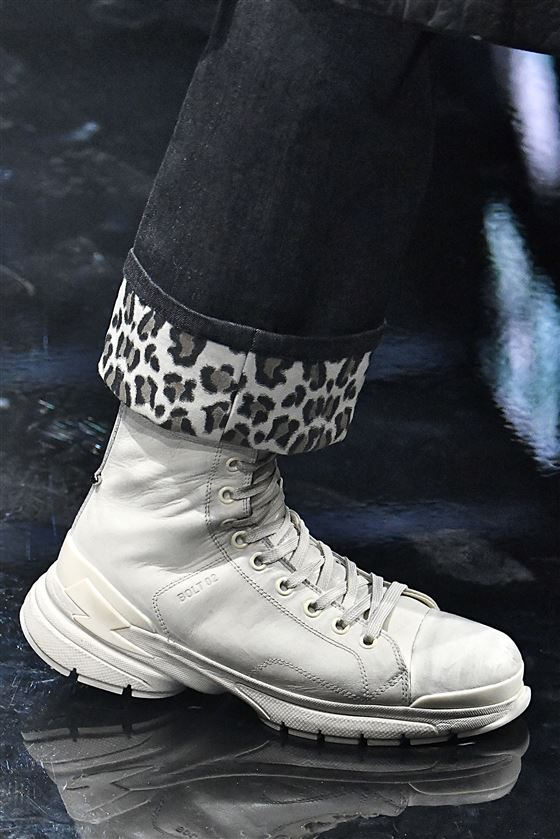 Materiale: pelle Suola: scarpe da ginnastica
