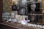 Converse lures the buyer with the power of art on the streets and on the Internet