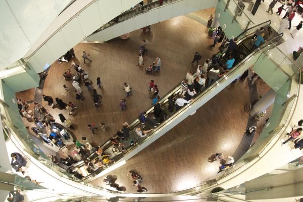 Shopping center attendance before 1 September decreased by 23%