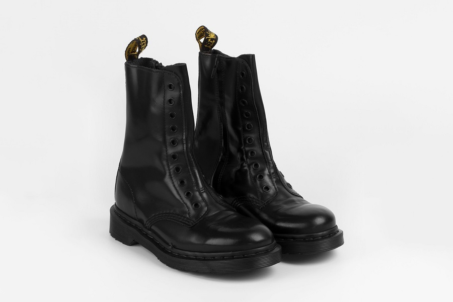 Vetements updated classic Dr. Martens - 10 eye boots model