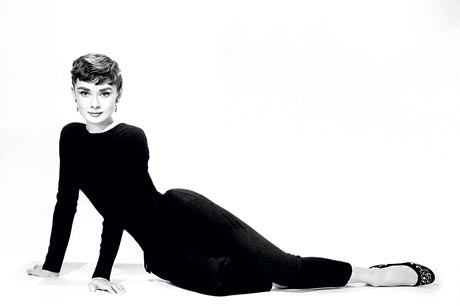 Audrey Hepburn ballet flats will be auctioned at Christie's for $ 1900