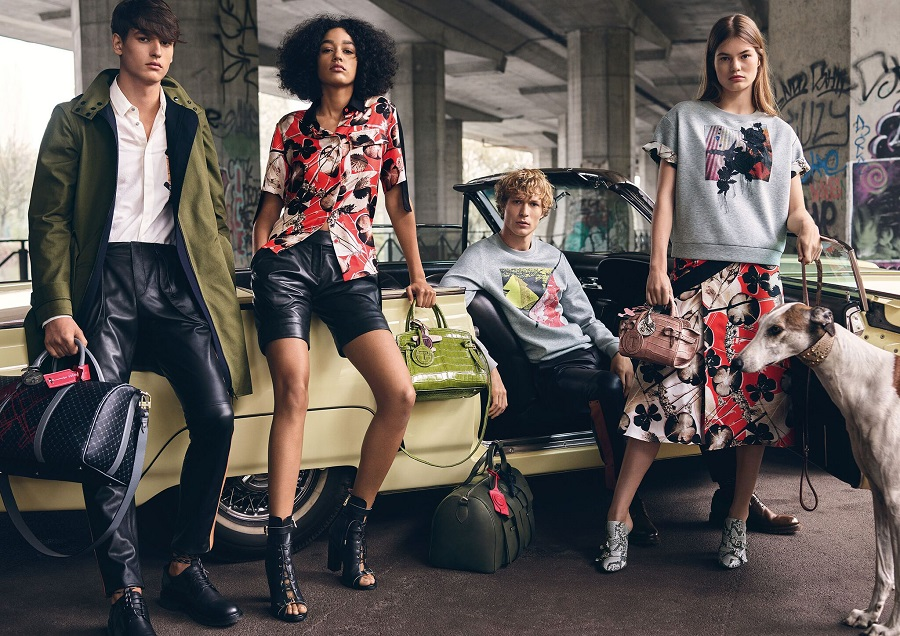 """Against the background of the """"urban jungle"""" Trussardi advertising campaign launched"""