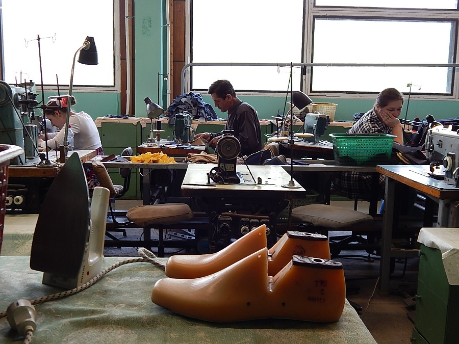 Xnumx workers will need a shoe factory in Linevo