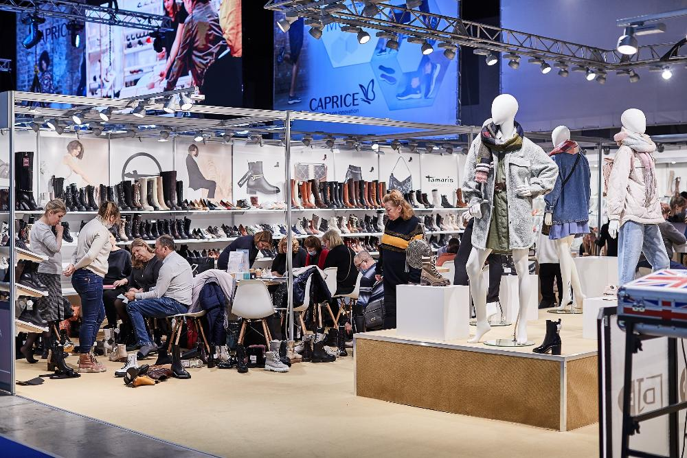 The largest international exhibition of footwear, bags and accessories EURO SHOES premiere collection will take place from 24 to 27 August in the capital's event hall MAIN STAGE