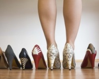 The share of foreign supplies of shoes is 90% of the total market