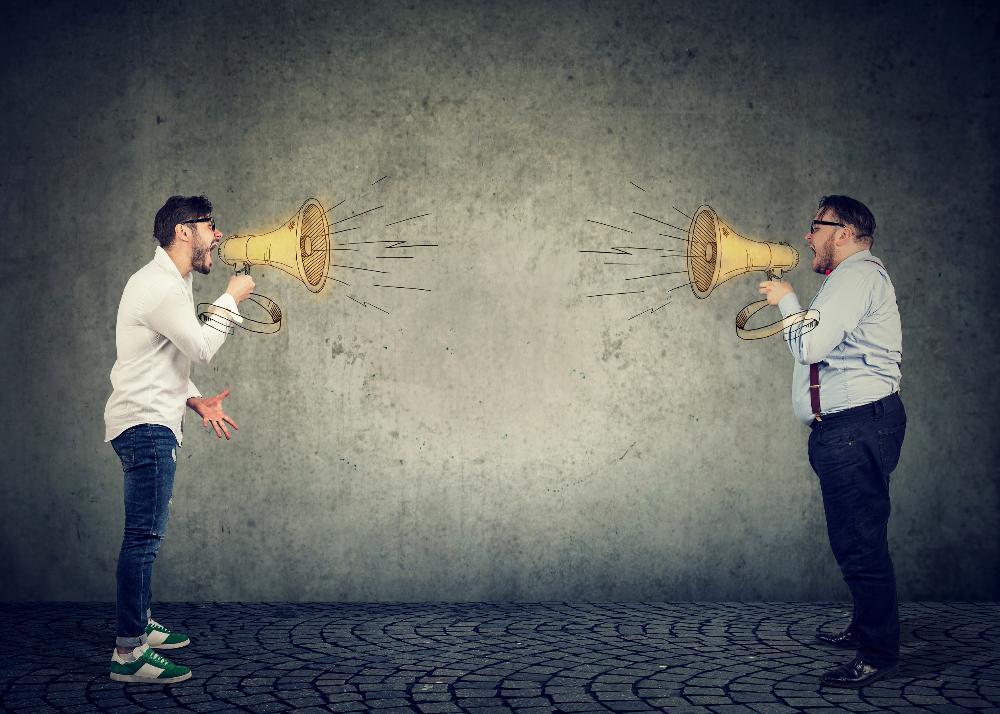 Warum es Konflikte zwischen Verkäufern gibt und wie man sie minimiert