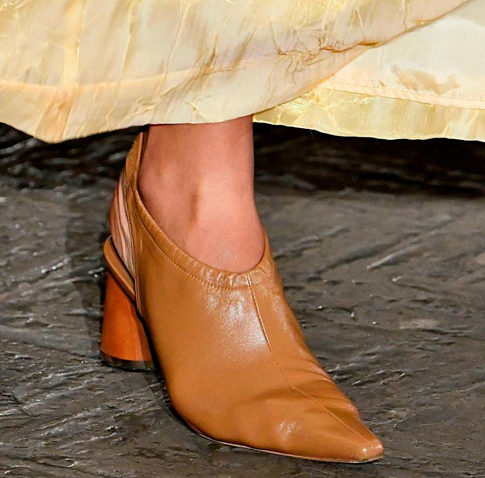 Construction: Open Heel