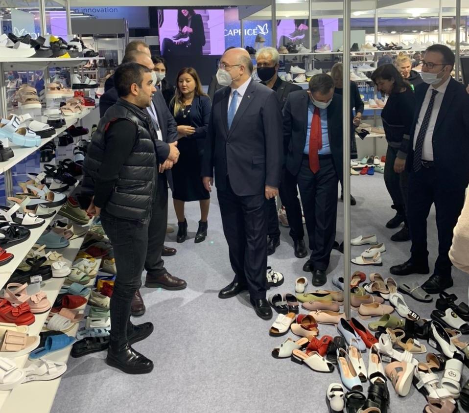 Turkish Ambassador to Russia Mehmet Samsar - again at Euro Shoes