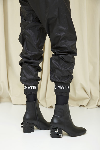 Vic Matie is true to his style - creativity and femininity in the fall-winter'17-18 season