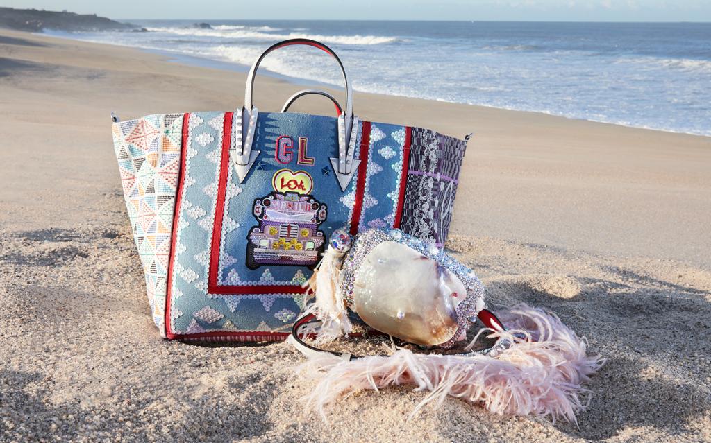 b1cdd98d5fb2 Christian Louboutin выпустил новую коллекцию сумок вместе с филиппинскими  художницами