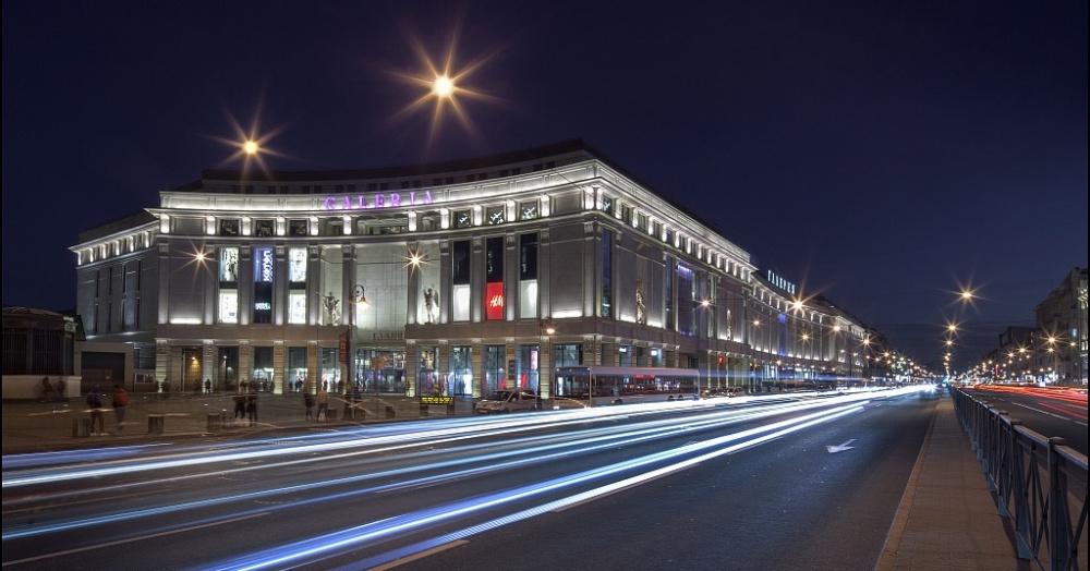 La actividad de los minoristas ha llevado a una reducción en la participación de espacio libre en los centros comerciales en San Petersburgo
