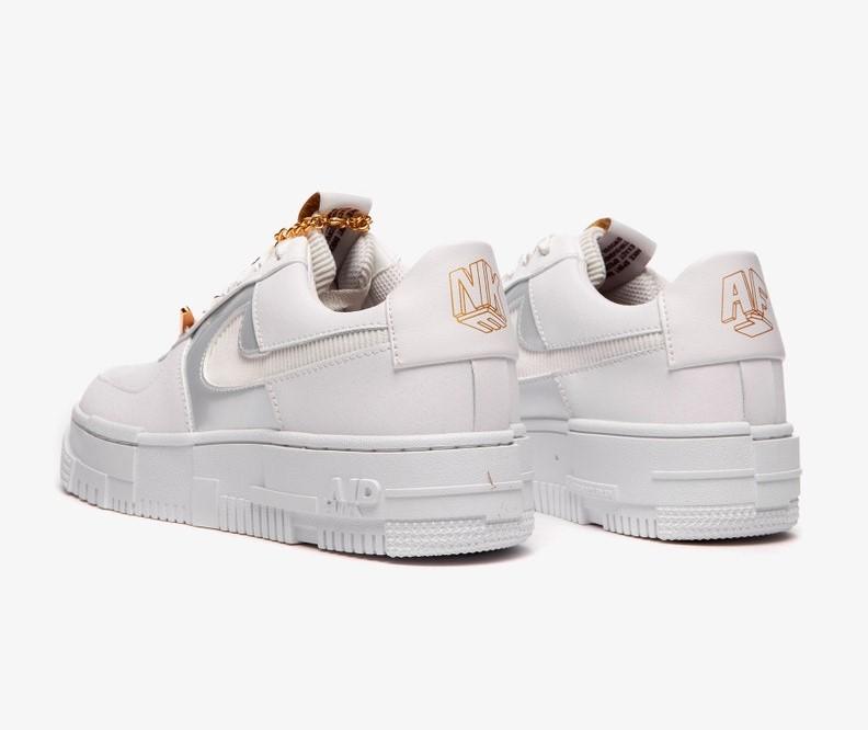 Nike Air Force 1 Pixel, $ 100