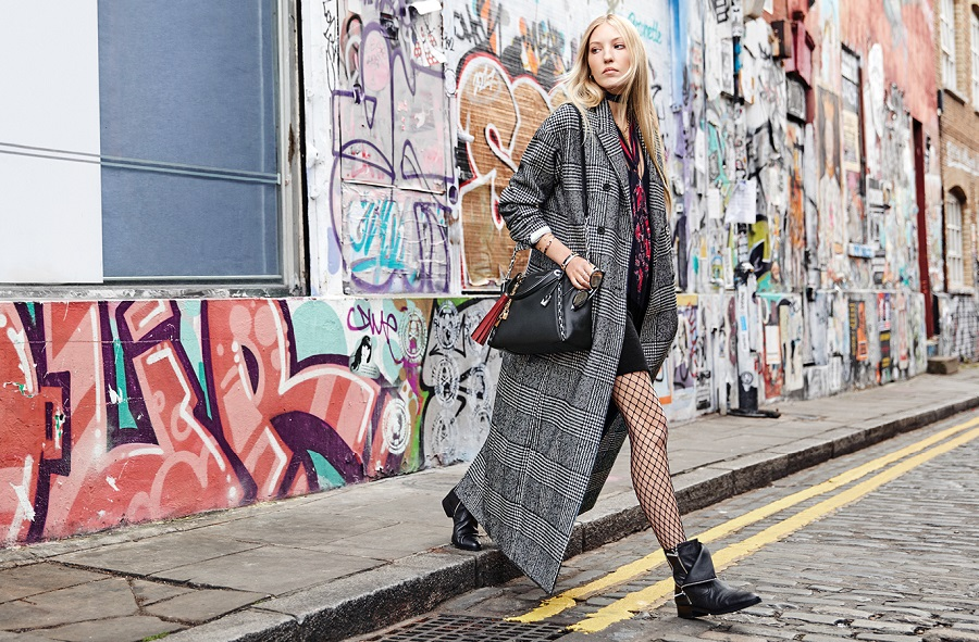Michael Kors launched an advertising campaign for the autumn collection