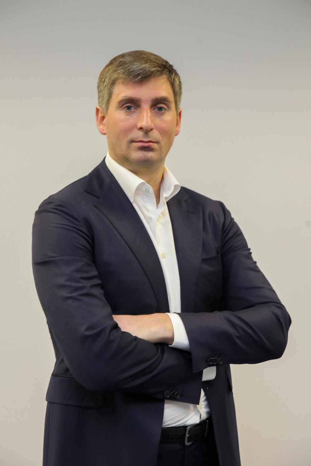 """""""Das Land braucht Handels- und Produktionsbetriebe, und wir nehmen die Gründung eines solchen Unternehmens auf."""" Andrey Pavlov"""