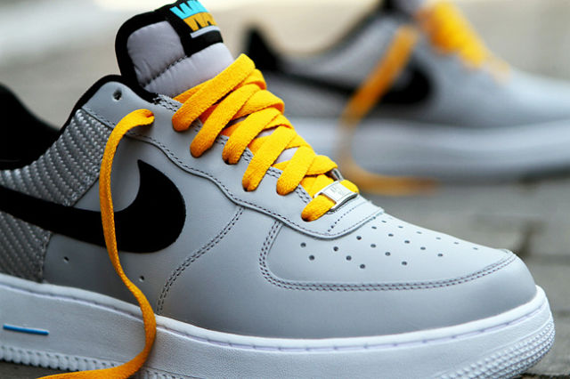 Nike has opened delivery to Russia and a shoe customization service