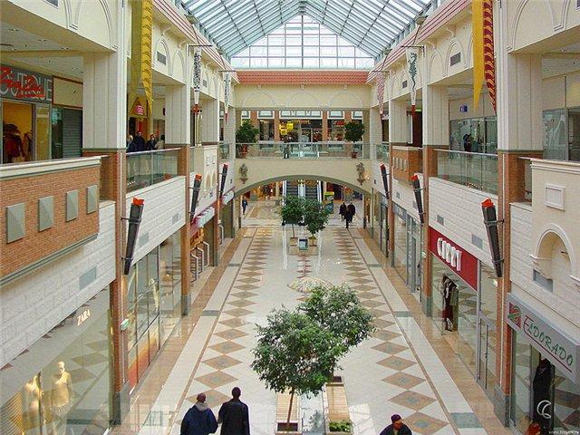 Retailers say slowdown in sales