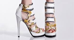 Lotel Plaza Shopping Center Opens New Heel'n'tote Shoe Store