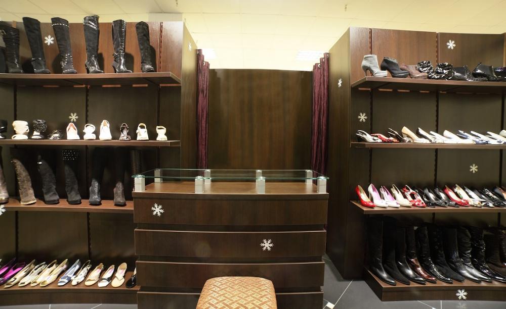 Todo en los estantes: cuatro formas de arreglar los zapatos