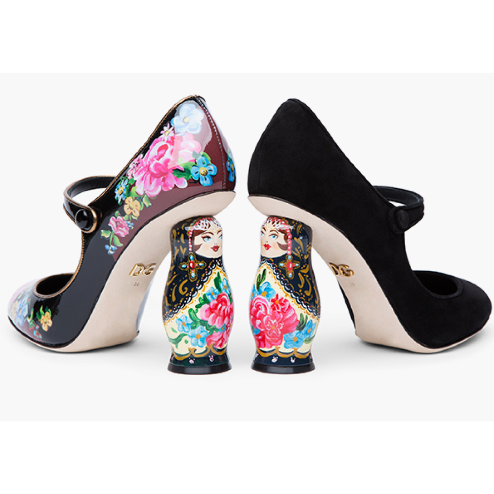 """Dolce & Gabbana has released a collection of shoes and accessories """"Matryoshka"""""""