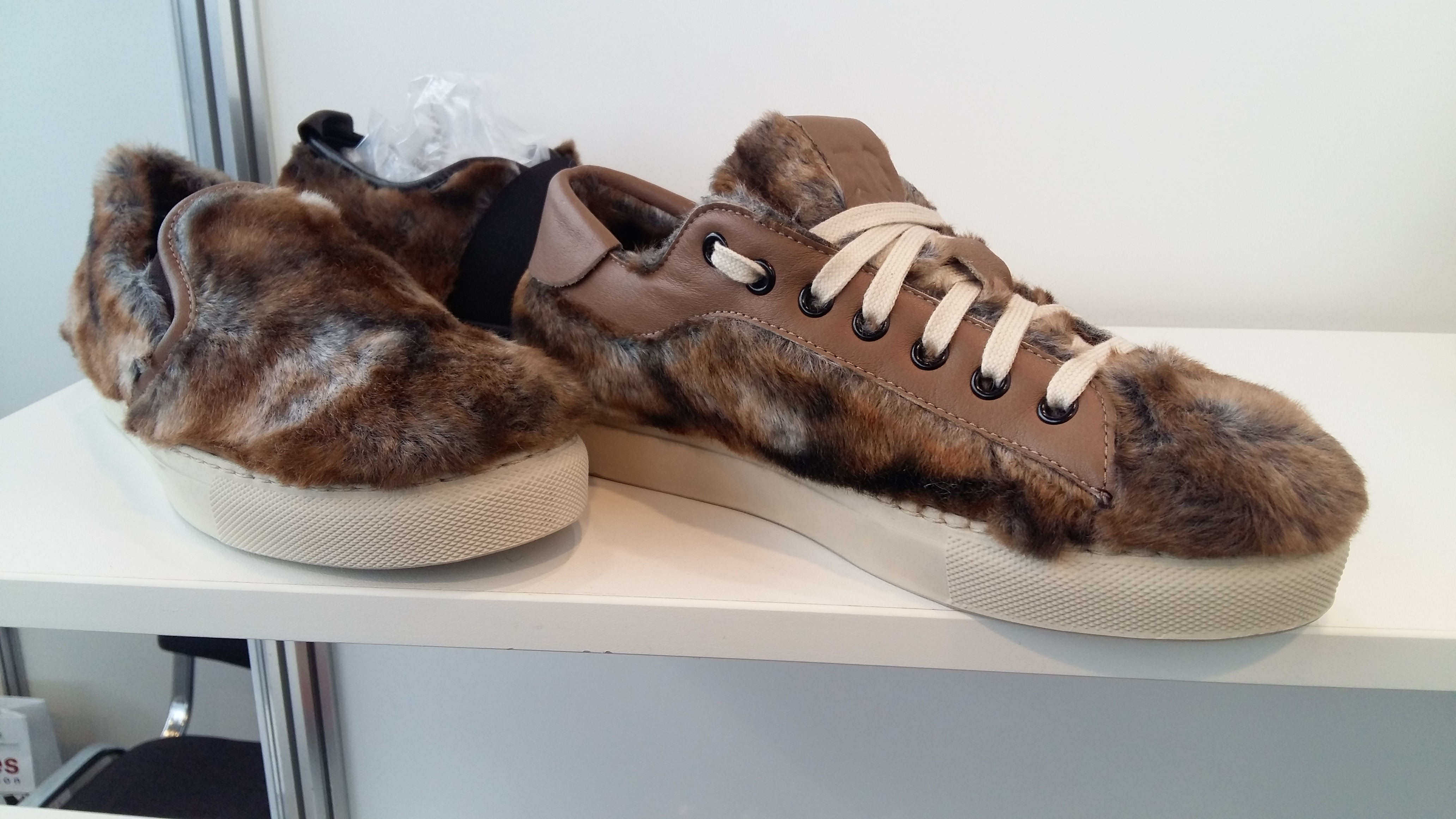 Viadellexille sneakers at Euro Shoes Premiere Collection