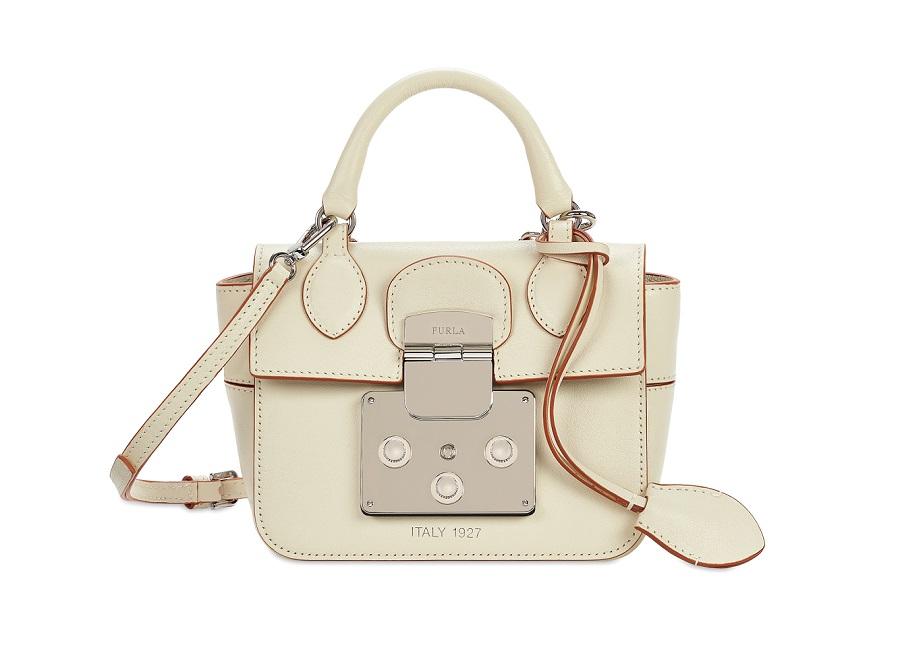 Furla вспоминает свою историю и выпускает коллекцию Mantra Bag f5c63272fb7