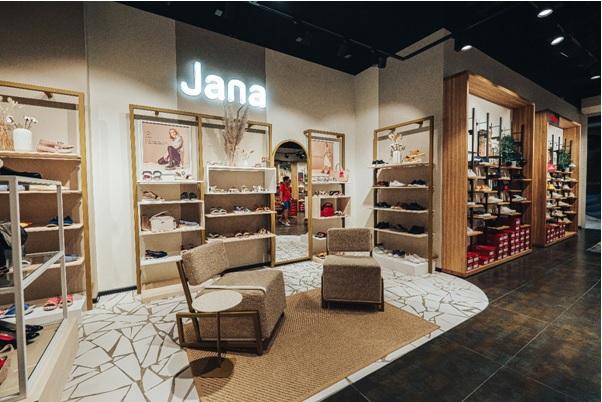 Corner Jana en el espacio de la tienda monomarca s.Oliver