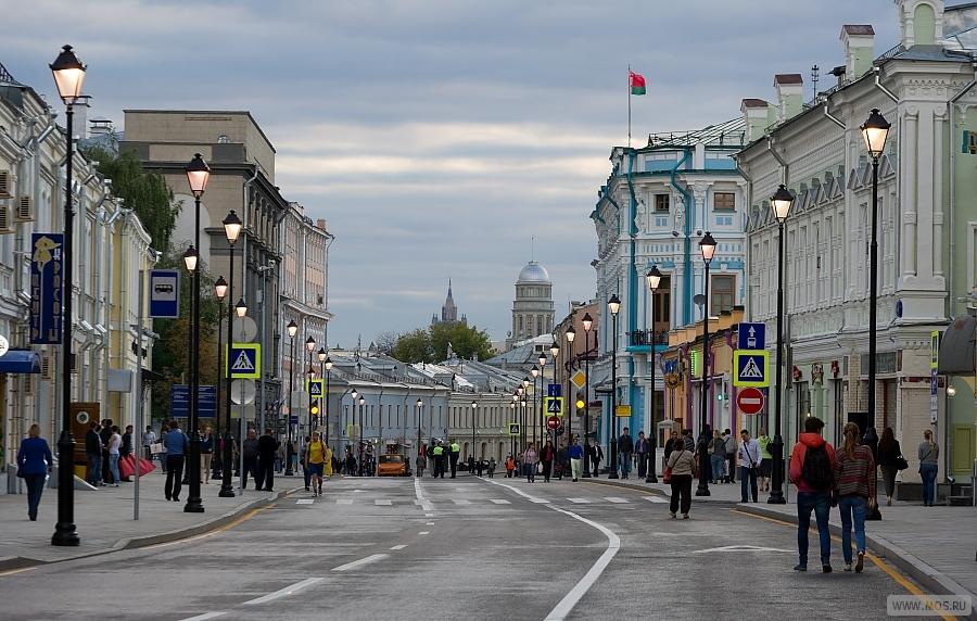 In che modo le riparazioni nel centro di Mosca influenzano la domanda e le tariffe di noleggio nella vendita al dettaglio
