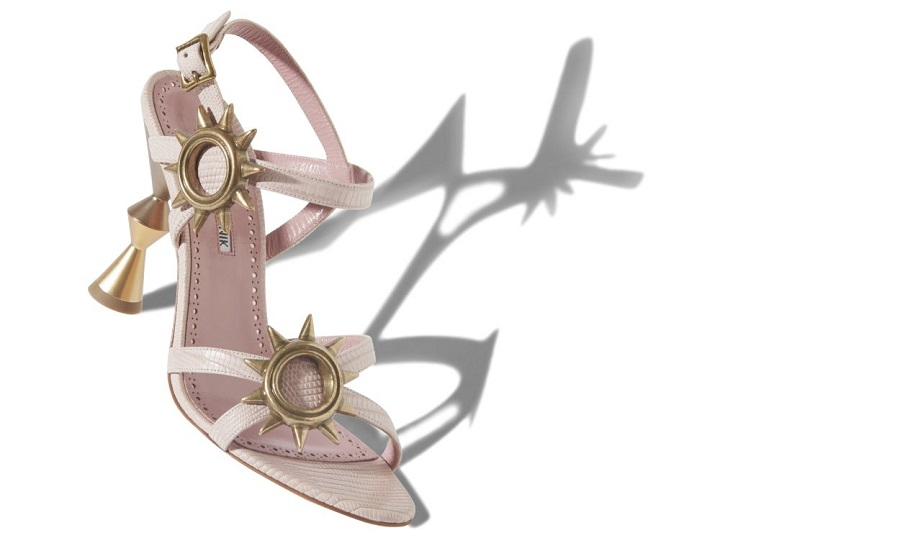 Manolo Blahnik shoes will be sold on AIZEL