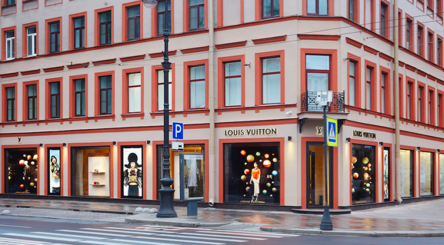 Premium brands open street retail stores in St. Petersburg