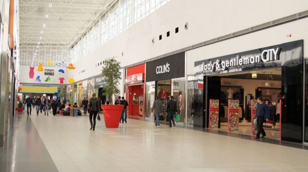 Shopping malls can reduce opening hours