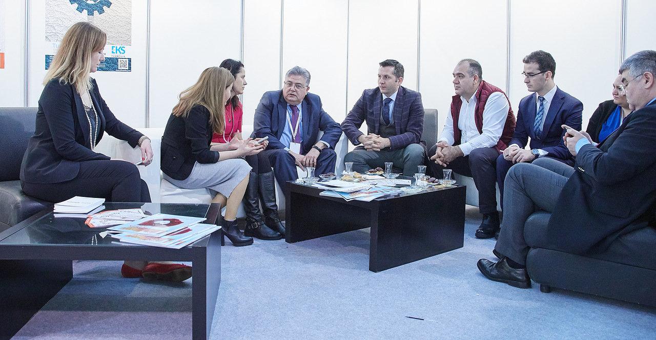 Delegazione turca alla mostra di Euro Shoes Premiere Collection guidata dall'ambasciatore turco in Russia, sig. Hussein Dirioz