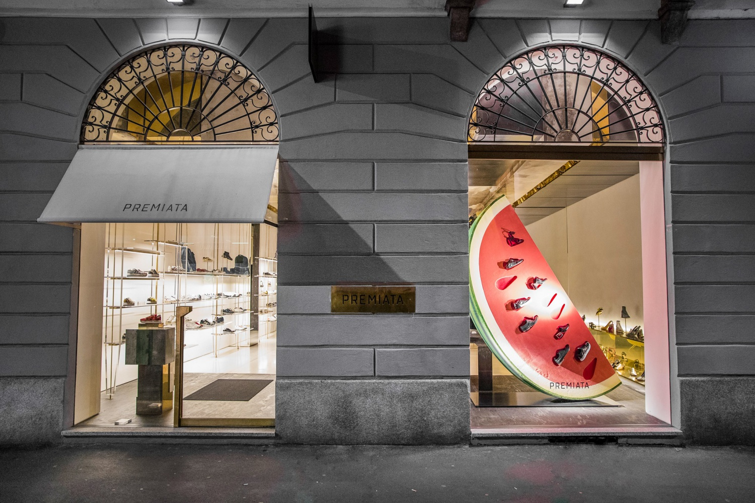 Premiata decorated a display case with a watermelon slice