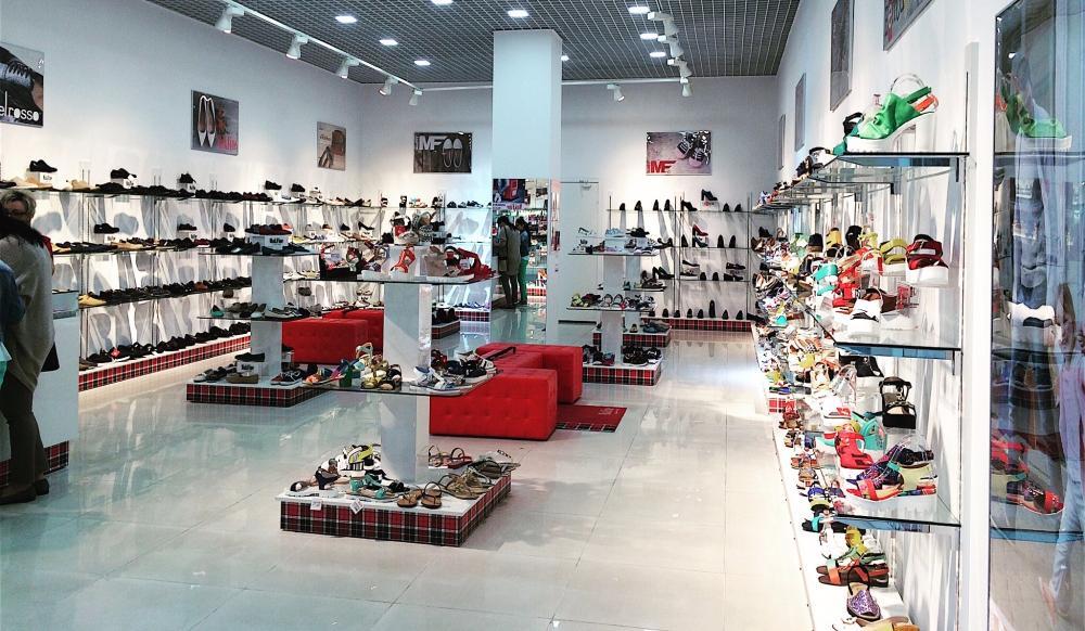 """MakFine Armen Avetisyan: """"Aiutare il produttore russo a ripulire il mercato delle scarpe cinesi di contrabbando""""."""