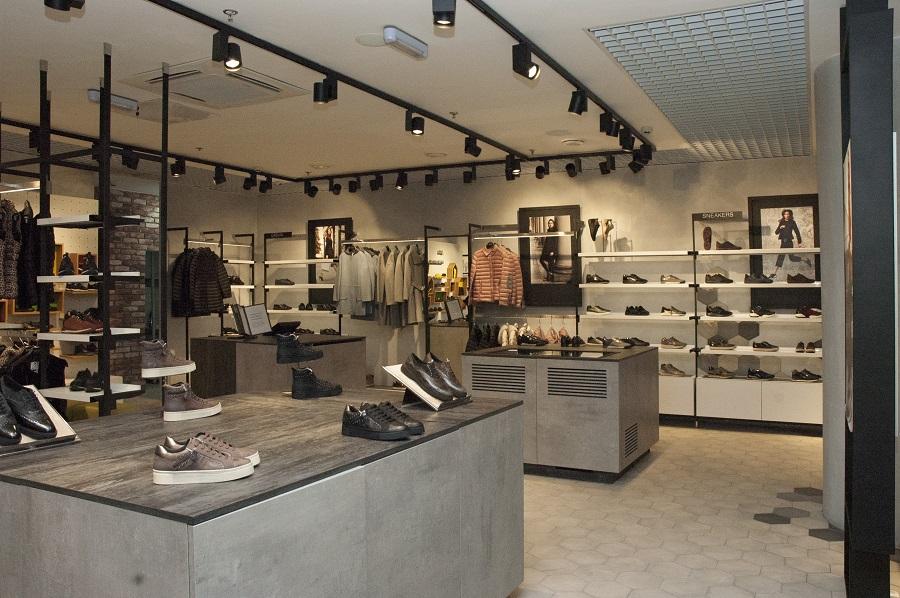 85f3f646a Geox открыл магазин формата X-Store в Санкт-Петербурге