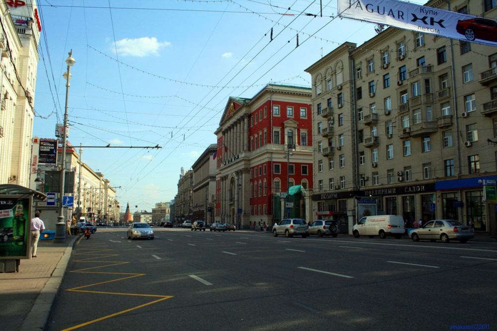 Tverskaya and Nevsky lose attractiveness at fashion retailers, but rental rates are not reduced