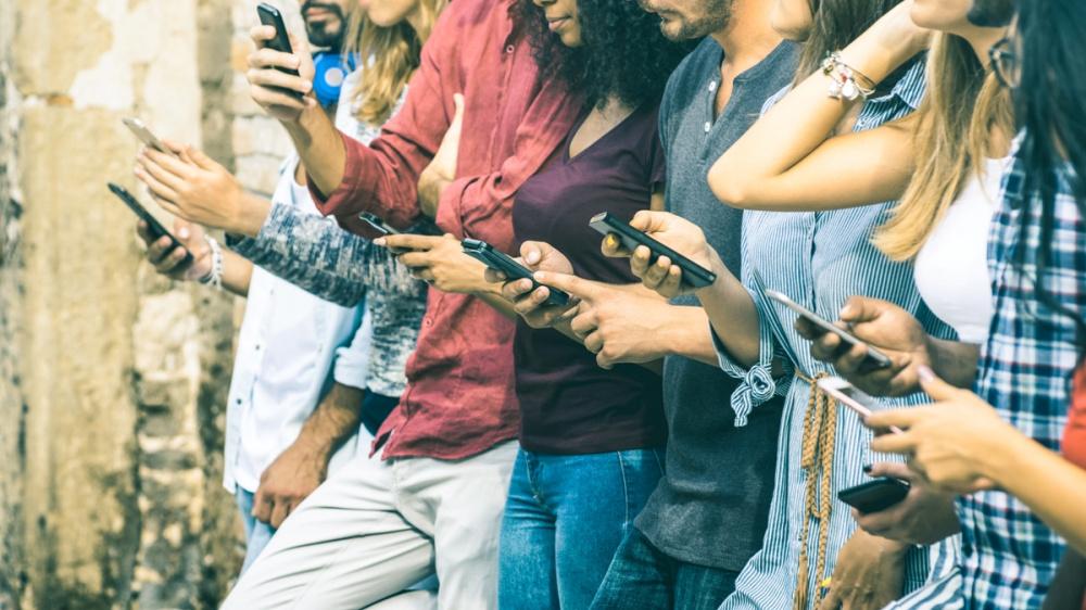 Verkehr durch online. Wie soziale Netzwerke dem Geschäft helfen, den Umsatz im Urlaub zu steigern