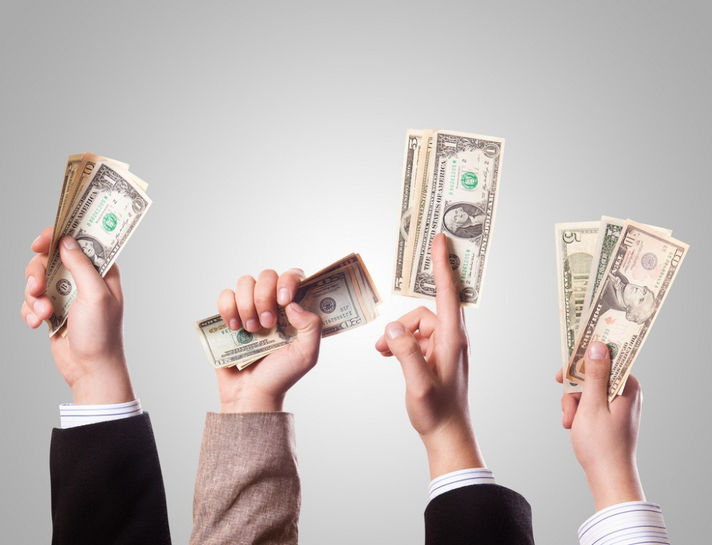 Crowdfunding - sell or promote ?!