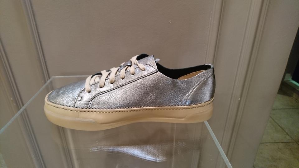 Half shoes Clarks