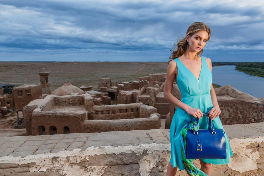 The evolution of color in the collection of bags and accessories Eleganzza spring-summer'17